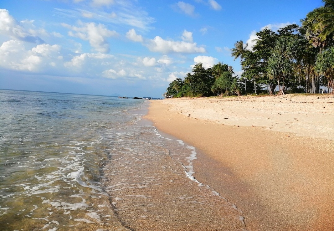 Koh Lanta Island, Thailand - 24 Rai (38,400 sq metres/9.5 acres) Stunning Beach Front Land For Sale